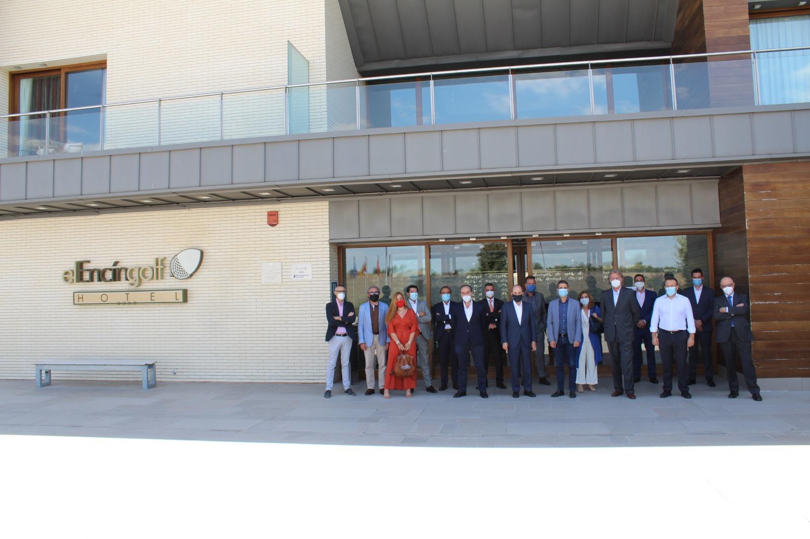 Comite Ejecutivo AEDE y alcalde Alcala con el empresario Joaquín Molpeceres Sánchez julio 2020 Encin