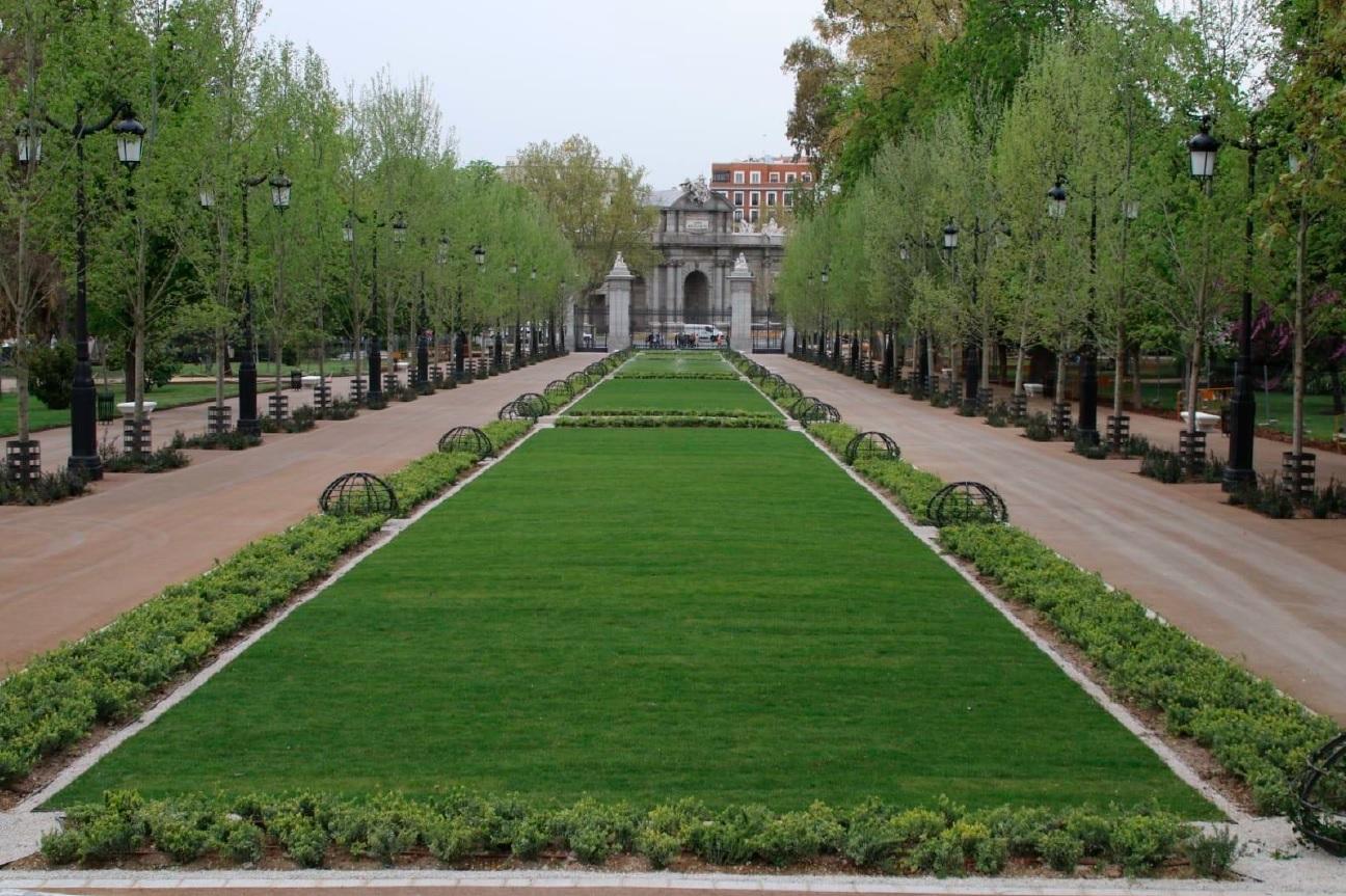 Joaquin Molpeceres Licuas Paseo de Mexico Jardines del Buen Retiro Madrid Obra